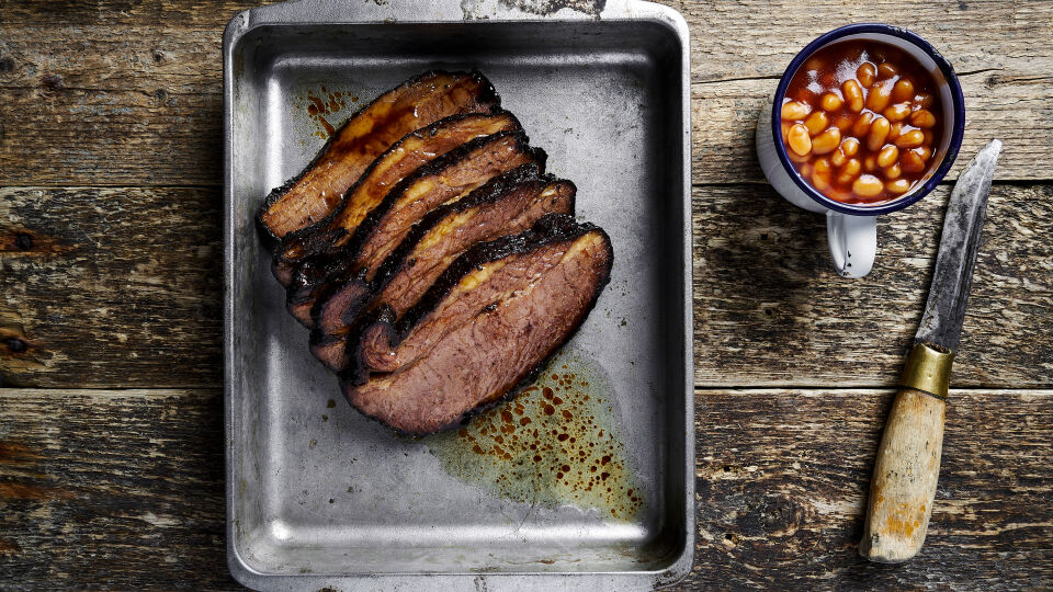 Smoked beef brisket & baked beans